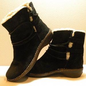 UGG Caspia boots